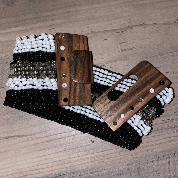 Jewelry - Beaded Wood Clasp Bracelet